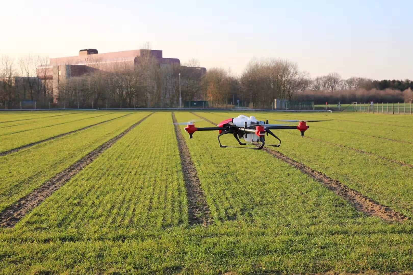 پهپاد یکی از مدرنترین ماشینآلات کشاورزی