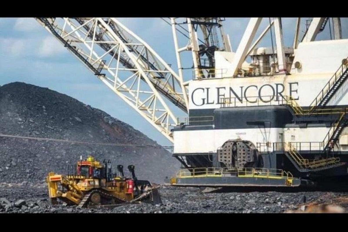 نمایی از ماشین آلات شرکت Glencore در حال استخراج