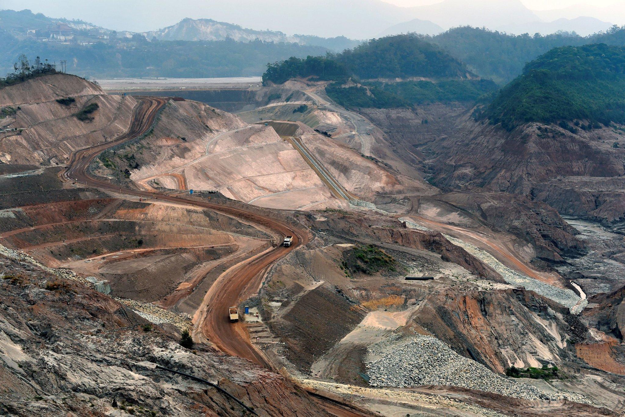 استخراج مواد معدنی توسط شرکت Billiton BHP