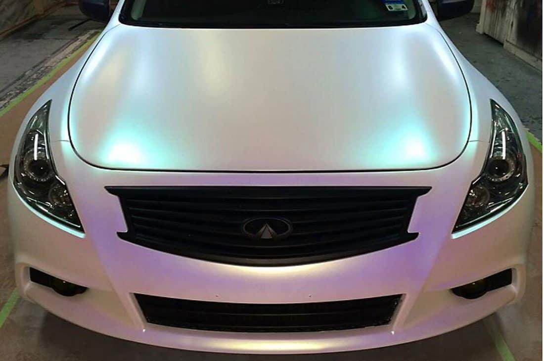 رنگ صدفی که زیبایی خاصی به خودرو داده است.