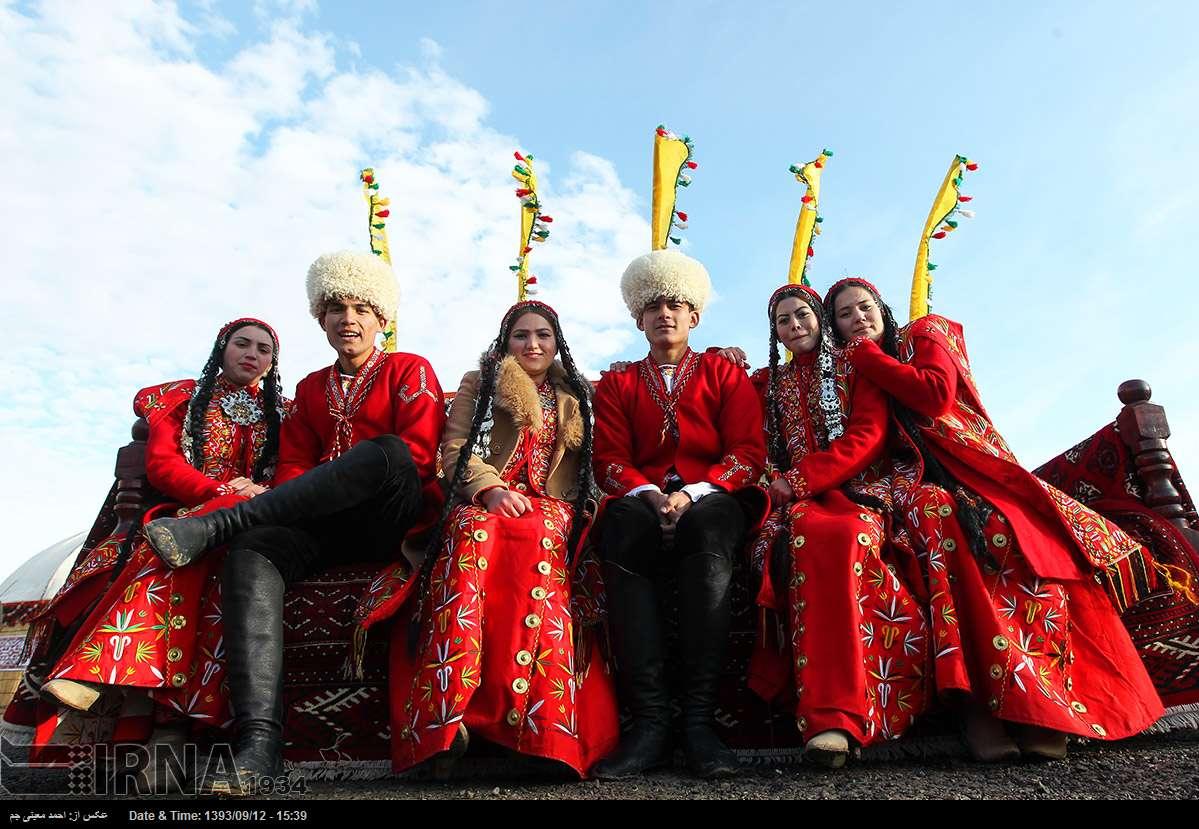 لباس محلی اقوام ترکمن از زیباترین لباسهای محلی ایران